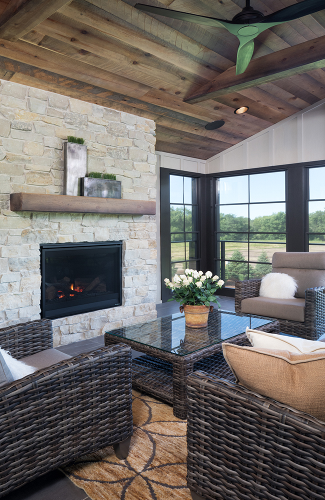 Create Home - Screened Porch - EZ Screens - Fireplace - Orono
